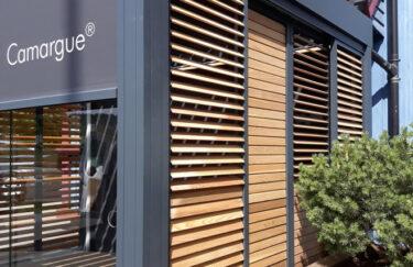 Renson pergola Camargue med screens Logia, plantekasse fra Trest entreprenørog Utecomfort i oslo og akershus