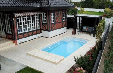Trest entreprenør har ferdigstilt nok et nytt hageprosjekt i Oslo og Akershus. Vi bygge pergola og levegg av Marnar Bruk Royal, terrasse av Accoya terrassebord, basseng, Oppland skifer