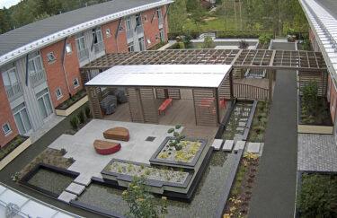 Trest hage entreprenør i oslo og akershus, CatoSenteret, terrasse MøreRoyal, plantekasse, pergola, aaltvedt heller, vannspeil, Leca blokker
